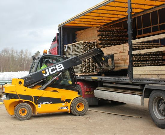 TLT loading pallets