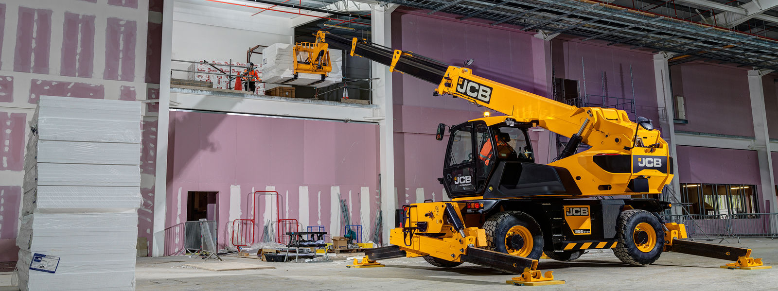 INTRODUCING THE JCB 5.5-21 ROTO!
